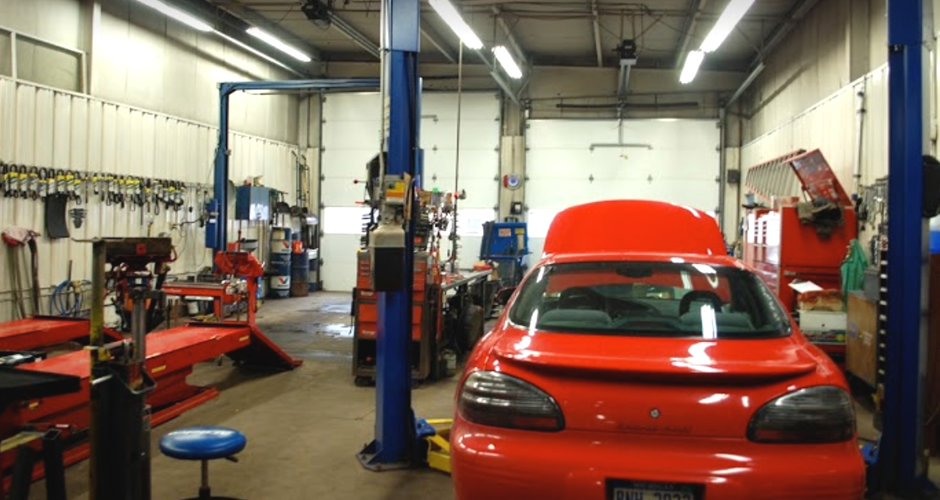 auto repair bay - image